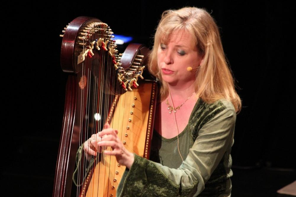Esther Groß Harfe + Gesang